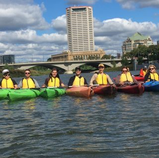 Want to hit the river and enjoy the weather? We provide instruction and two fun guides!  Register at Olentangypaddle.com #kayaking #cypandme #sciotoaudubon